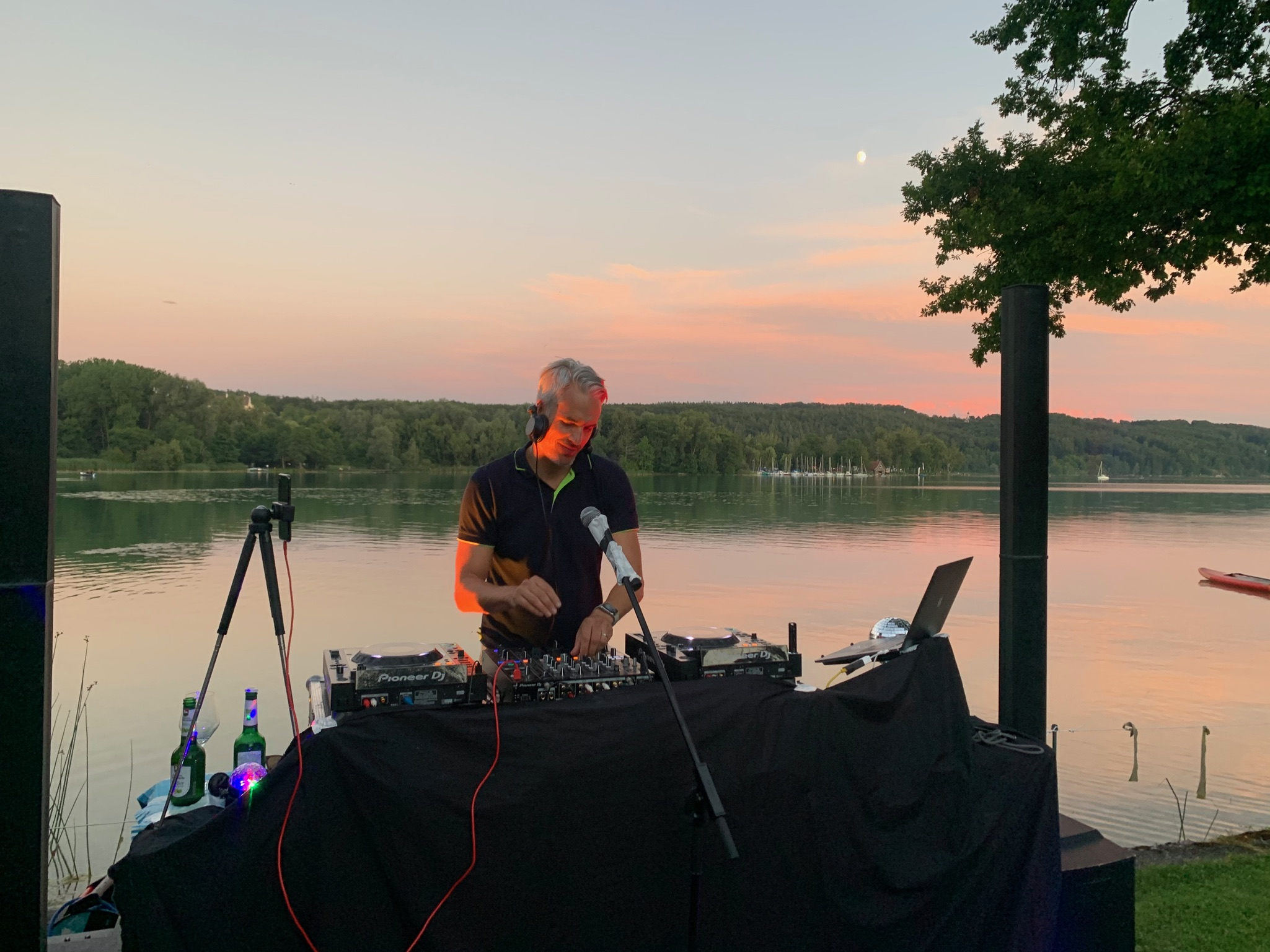 FRIDAY'SGROOVE on Tour / Impression vom Clubbing am See